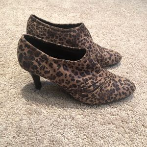 Impo Stretch Leopard Print Booties